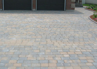Details of interlocking stone driveway