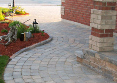 Wrapping interlocking stone walkway